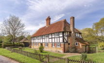 5 bed Cottage for sale in Lickfold, West Sussex