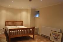 Flat in Pampisford Road, Purley