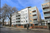 2 bed Flat in Brighton Road, Purley