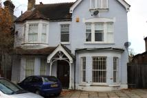 Apartment to rent in Campden Road...