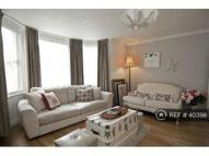 Flat to rent in St Peters Road, Croydon