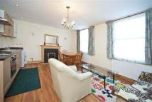 Flat in Loftus Road,