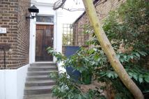 Flat to rent in Woolwich Road, Greenwich...