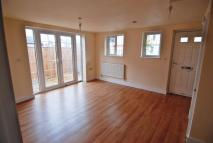 2 bed house in Wyndcliff Road, Charlton...