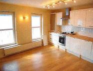 Flat to rent in Exmouth, Church Street...