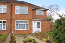 2 bed Maisonette in Mayfield Close...