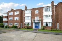 2 bed Maisonette for sale in Giggs Hill Gardens...