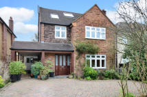 4 bed Detached home for sale in Heathside, Esher, KT10
