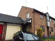 2 bedroom house to rent in Friday Wood Green...
