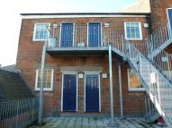 Flat to rent in Priory Street...