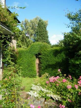 gate to side garden