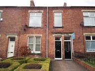 2 bed Flat to rent in Olympia Gardens...