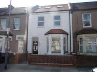 7 bed Terraced property to rent in Hunter Road, Ilford