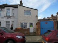 1 bed house in Grosvenor Road, East Ham
