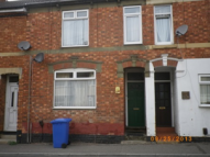 Flat to rent in Bath Road, Kettering...