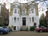 2 bedroom Flat to rent in Queens Road, Richmond...
