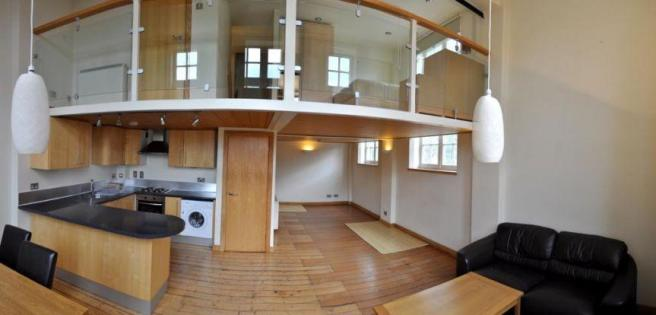 2 bedroom flat to rent in Silverthorne Loft Apartments Albany