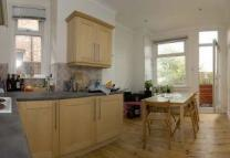 Manor Park Road Maisonette to rent