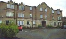 Flat to rent in Kerse Place, Falkirk...