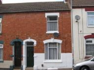 2 bedroom Terraced house in Baker Street, Semilong...