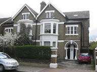 3 bed Apartment in Earlsfield Road, London...