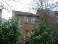 Flat to rent in Langstone Court...