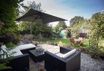 4 bed Detached home in Chaucer Court, Ewelme...