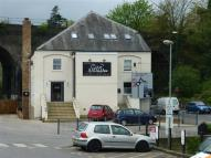 Flat to rent in Stroud Town