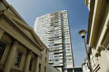 Flat to rent in St Margarets Place...