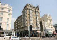 Flat to rent in Kings Road, BRIGHTON