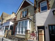 2 bed property in Willingdon Road...