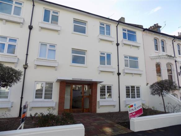 bedroom apartment to rent in west terrace eastbourne bn21