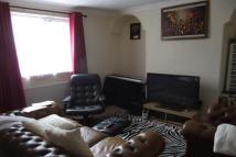 3 bed property to rent in Riverside Road Stratford...