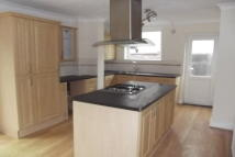 3 bed property to rent in Rayleigh Road, Hutton...