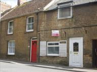 2 bedroom home in East Street, CREWKERNE