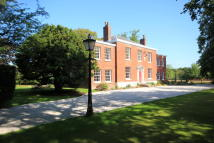 5 bed Detached house in Warrington Road...
