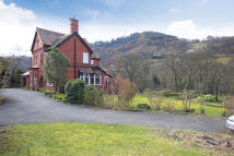 6 bedroom house for sale in Abbey Road, Llangollen...