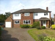Detached home to rent in Ray Lea Road, MAIDENHEAD