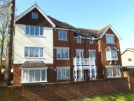 2 bedroom Flat to rent in Boyn Hill Avenue...