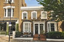 Nevill Road Flat to rent