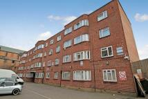 2 bed Flat in Bridge Court...
