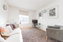 2 bed Apartment in Chiswick High Road...