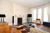 Maisonette to rent in Alfred Road, Chiswick, W3