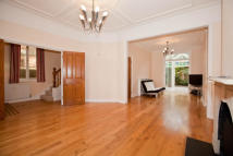 5 bedroom house to rent in Gainsborough Road...
