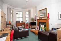 Flat in First Avenue, Hove