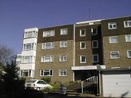 Flat to rent in kingsmere