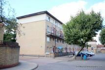 Alexandra Street Flat to rent