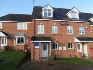 3 bed Town House to rent in New Village Way, Churwell