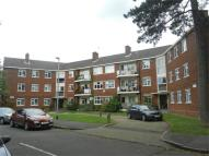 3 bedroom Flat to rent in Hermitage Walk, Woodford...
