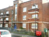 2 bedroom Flat in Skeltons Lane, Leyton...